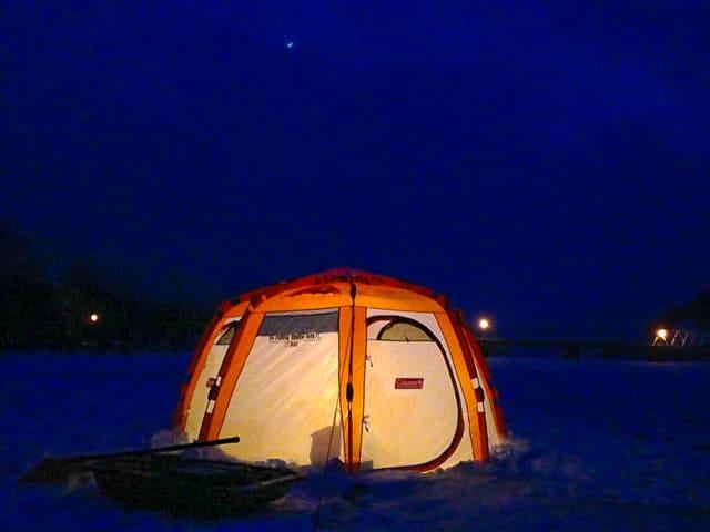 ナイトワカサギ釣りの夜景は絶景